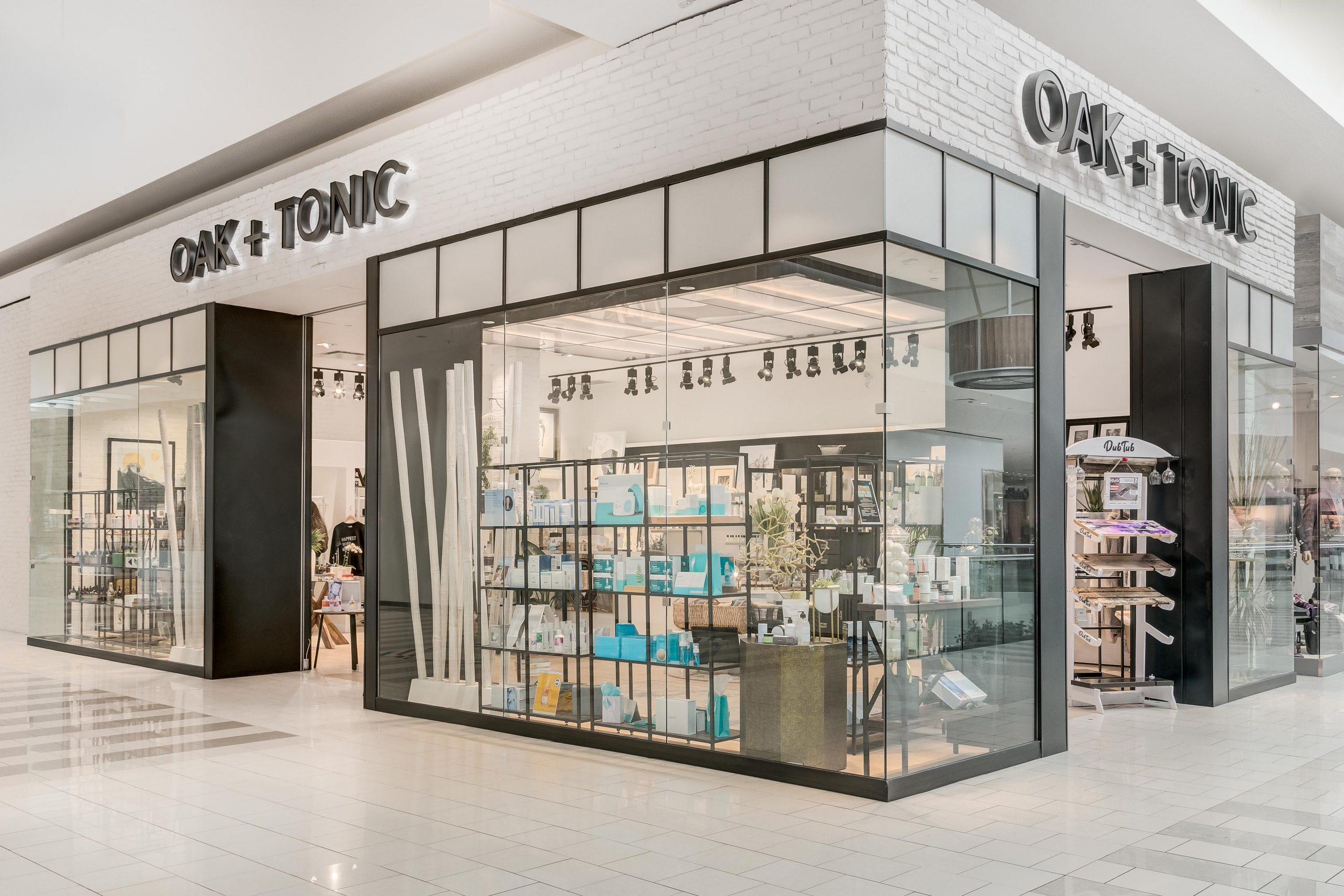 Oak + Tonic storefront